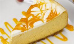 Tarta de queso, mango y limón